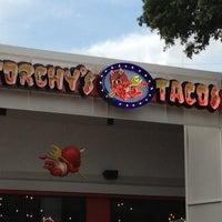 Foto scattata a Torchy's Tacos da Sarah B. il 5/30/2013