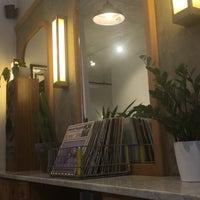 Foto scattata a Ludlow Coffee Supply da Şükran Ö. il 5/29/2018