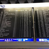 3/22/2013 tarihinde Maxime M.ziyaretçi tarafından Terminal 2'de çekilen fotoğraf