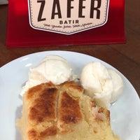 รูปภาพถ่ายที่ Zafer Tarihi Peynir Helvacısı โดย Ceren K. เมื่อ 6/3/2019