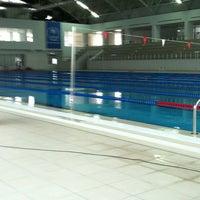 2/24/2013 tarihinde Merve K.ziyaretçi tarafından Tekirdağ Gençlik Hiz. ve Spor İl Md. Kapalı Yüzme Havuzu'de çekilen fotoğraf