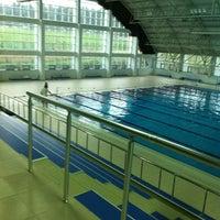 3/16/2013 tarihinde Merve K.ziyaretçi tarafından Tekirdağ Gençlik Hiz. ve Spor İl Md. Kapalı Yüzme Havuzu'de çekilen fotoğraf