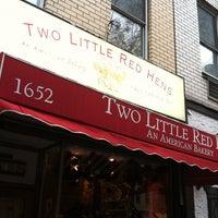 Foto tirada no(a) Two Little Red Hens por Aerik V. em 10/28/2012