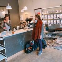 2/27/2019 tarihinde Kenny M.ziyaretçi tarafından Noble Coyote Coffee Roasters'de çekilen fotoğraf