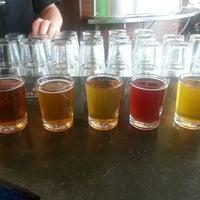 Foto scattata a Rogue Eastside Pub & Pilot Brewery da Darin M. il 6/15/2013