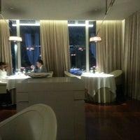 Foto tomada en ABaC Restaurant & Hotel por Chutz P. el 8/15/2013