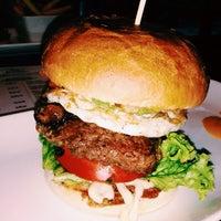 Снимок сделан в Holy Burger пользователем lace m. 9/19/2013