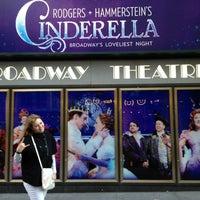 Foto tirada no(a) Cinderella on Broadway por Anastasia S. em 4/20/2013