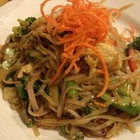 Снимок сделан в Tuptim Thai Cuisine пользователем Alex Y. 1/12/2013