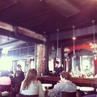 Foto scattata a B. Matthews Eatery da Trent K. il 2/9/2013