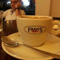 8627cc21375 ... Foto tirada no(a) Fran amp  39 s Café por Rosana Z