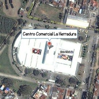Foto tomada en Centro Comercial La Herradura por Jacko R. el 4/20/2013