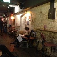 3/1/2013 tarihinde Dan B.ziyaretçi tarafından Grandma's Bar'de çekilen fotoğraf