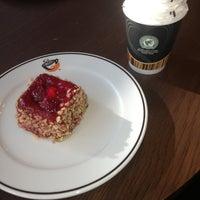 10/10/2013 tarihinde Tuğbaziyaretçi tarafından Gloria Jean's Coffees'de çekilen fotoğraf