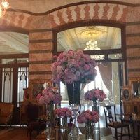 Foto scattata a Pera Palace Hotel Jumeirah da Mario O. il 7/3/2013