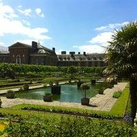 Das Foto wurde bei Kensington Gardens von Janny C. am 6/8/2013 aufgenommen