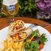 Foto scattata a Efes Sports Pub da Efes Sports Pub il 11/1/2013