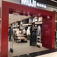 Das Foto wurde bei MUJI von Hungju L. am 3/31/2018 aufgenommen