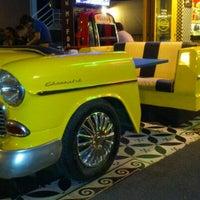 5/17/2013 tarihinde Engin P.ziyaretçi tarafından Big Yellow Taxi Benzin'de çekilen fotoğraf