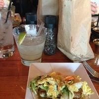 รูปภาพถ่ายที่ TNT - Tacos and Tequila โดย GINbee เมื่อ 3/11/2013