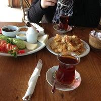 Das Foto wurde bei Tarihi Bilice Börekçisi von Salim O. am 2/7/2013 aufgenommen