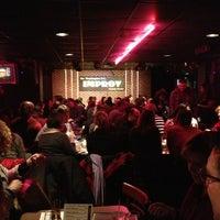 Photo prise au DC Improv Comedy Club par Joshua B. le2/3/2013