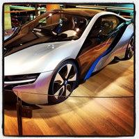 Foto tirada no(a) BMW Welt por Omer B. em 2/8/2013