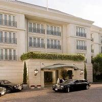 Das Foto wurde bei The Peninsula Beverly Hills von Josh Wood Productions am 1/12/2013 aufgenommen