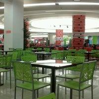 Photo prise au Emporium Pluit Mall par Lusi Y. le6/6/2013