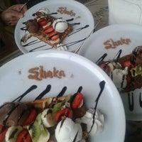 รูปภาพถ่ายที่ Shaka Restaurant Bar & Cafe โดย Glen เมื่อ 3/14/2013