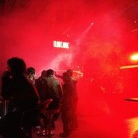 Das Foto wurde bei Club Cadde von Emin K. am 3/16/2013 aufgenommen