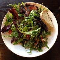 Foto tomada en Sprout Cafe por Henry H. el 1/20/2013