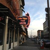 Das Foto wurde bei Little Palace von Lisa R. am 2/12/2013 aufgenommen