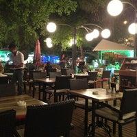 6/17/2013 tarihinde Ömer D.ziyaretçi tarafından LimonH₂O Cafe Bistro'de çekilen fotoğraf