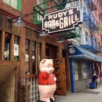 Das Foto wurde bei Rudy's Bar & Grill von Jaemie am 5/20/2013 aufgenommen