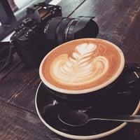 Foto tomada en Café Grumpy por Michael Y. el 3/17/2015