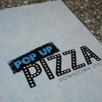 Foto tirada no(a) Pop Up Pizza por Roxy S. em 12/7/2012
