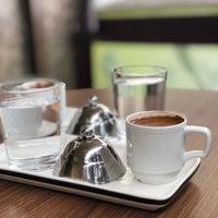 Foto tirada no(a) Bricks Coffee & Bistro por Pınarsu Y. em 5/4/2019