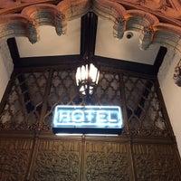 Das Foto wurde bei Ace Hotel Downtown Los Angeles von Melody L. am 10/12/2014 aufgenommen