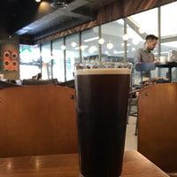 Photo prise au Starbucks par Pipat S. le6/14/2018