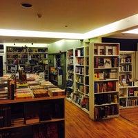 Das Foto wurde bei Books@cafe von Nawaf am 12/18/2014 aufgenommen