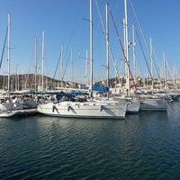 7/1/2013 tarihinde Gizem B.ziyaretçi tarafından Çeşme Marina'de çekilen fotoğraf