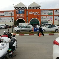 Foto tomada en Deepo Outlet Center  por Savaş S. el 3/14/2013