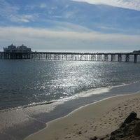Das Foto wurde bei Malibu Beach Inn von Alex F. am 2/3/2013 aufgenommen