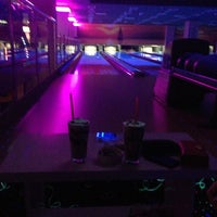 Photo prise au Palace Cafe Restaurant & Bowling par Dilan A. le4/11/2013