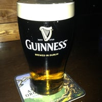 Foto tomada en Mickey Byrne's Irish Pub por Kiki L. el 2/1/2013