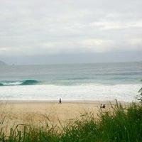 Foto tirada no(a) Praia do Pepino por Emerson S. em 6/24/2013