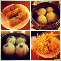 12/26/2012 tarihinde Kenneth L.ziyaretçi tarafından China Pearl Restaurant'de çekilen fotoğraf