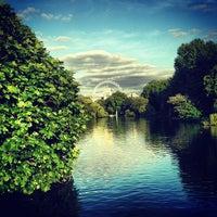 9/22/2013에 Lizzy L.님이 St James's Park에서 찍은 사진