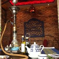 5/26/2013 tarihinde Ilonaziyaretçi tarafından Shisha Lounge Habibi'de çekilen fotoğraf